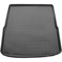 Plastikinis bagažinės kilimėlis VOLKSWAGEN Passat B7 Variant 2010-2015