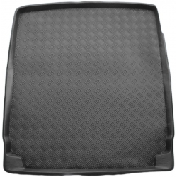 Plastikinis bagažinės kilimėlis VOLKSWAGEN Passat B7 Sedan 2010-2015